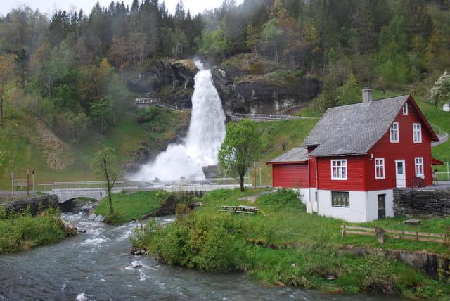 la cascade de Steinsdal