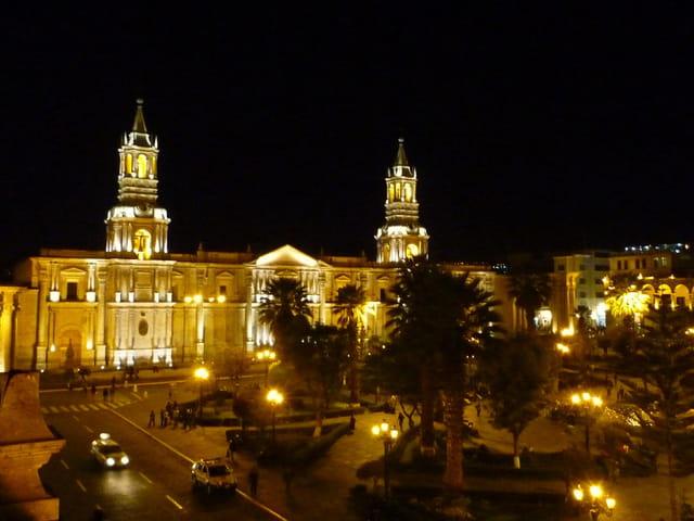 La cathédrale la nuit