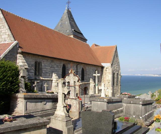 La chapelle et la mer