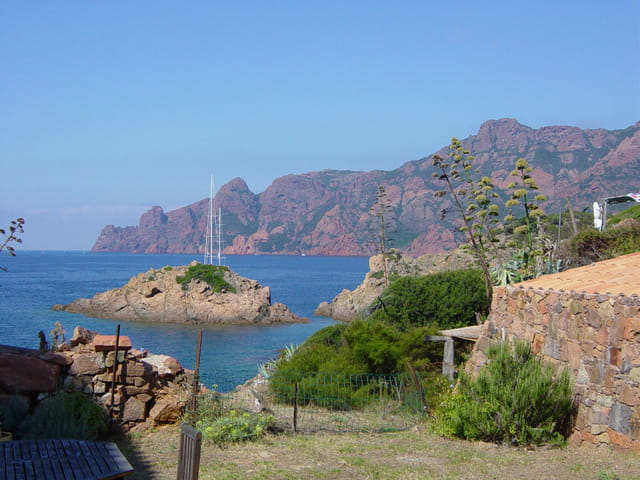 La Corse vue du jardin