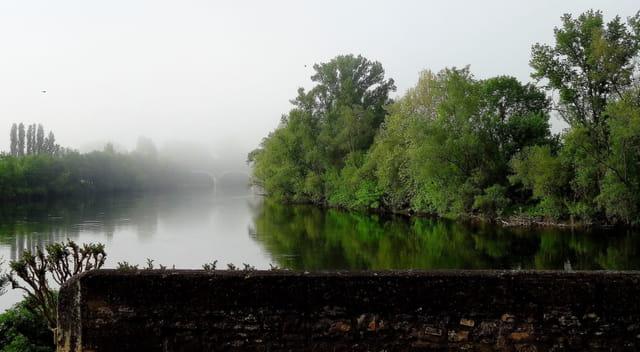 La Dordogne s'éveille ...