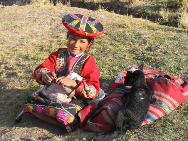 La fillette et son mouton