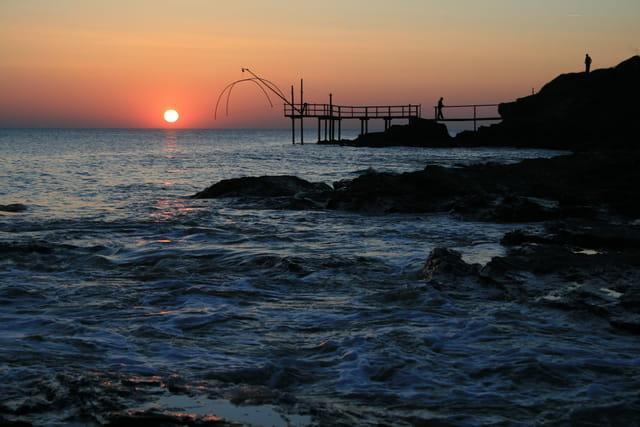La fontaine aux bretons , le chemin des pêcheries