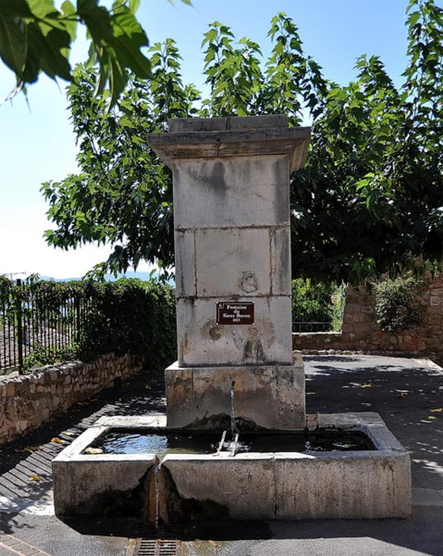 La fontaine des Arcs