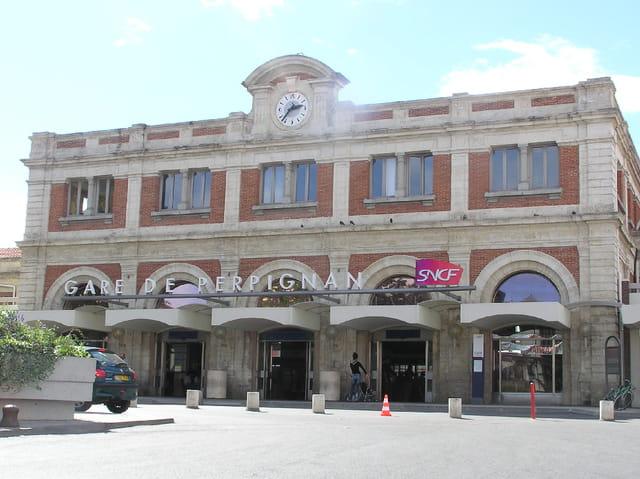La gare chère à Dali