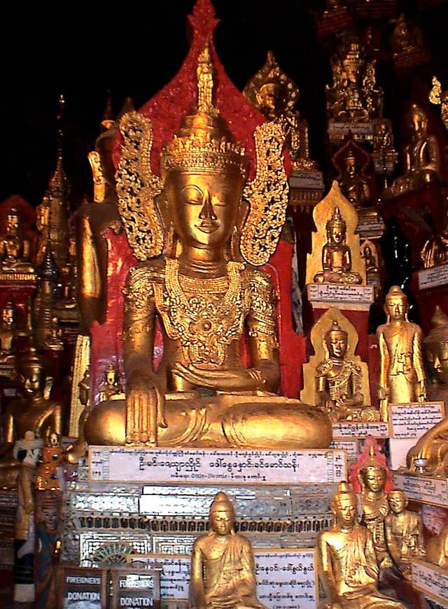 La grotte aux 8000 bouddhas