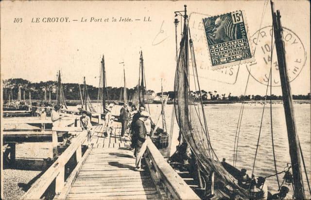 La jetee  et le port