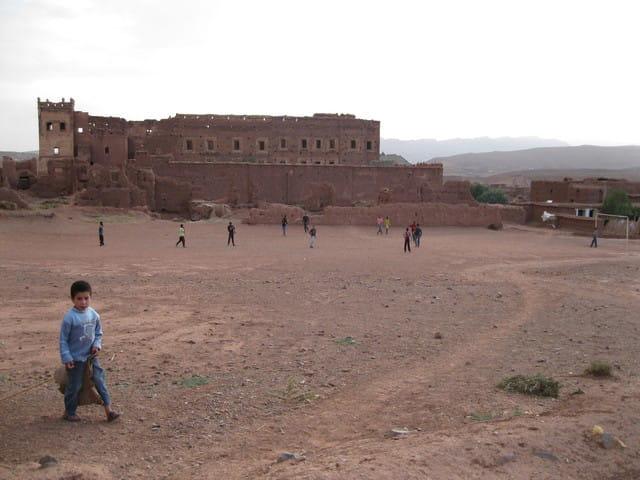 la kasbah et le terrain de foot de Telouet