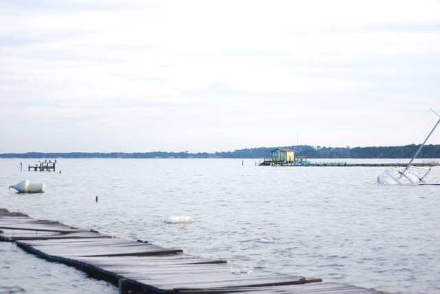 la lac après les tempêtes d'hiver