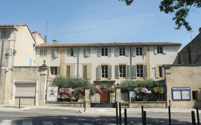La Mairie de Cadenet