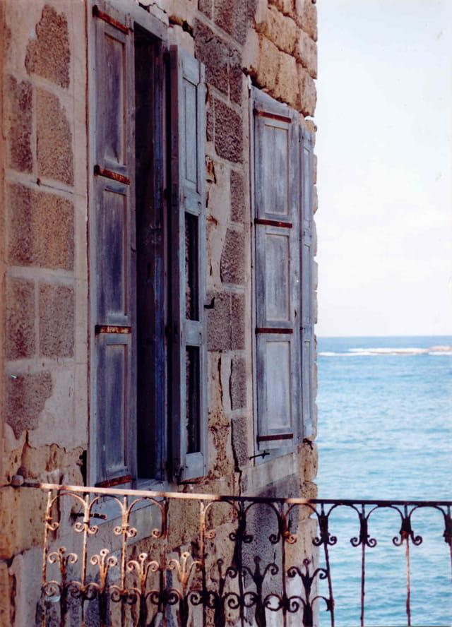 la maison aux volets bleus par marie laure jauzy inguimberti sur l 39 internaute. Black Bedroom Furniture Sets. Home Design Ideas