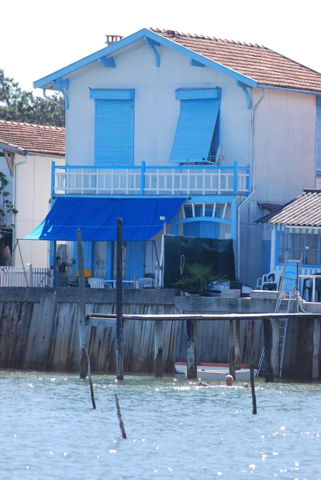 la maison bleue au bord du Bassin d'Arcachon
