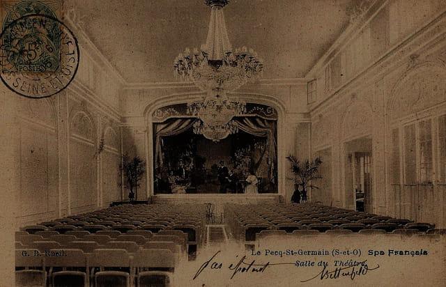 La Maison Charvet, le théâtre du SPA Français.