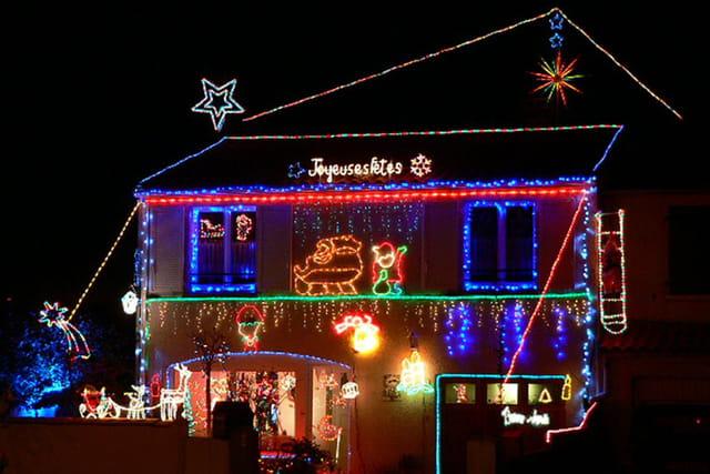 La maison de papa no l par raymond magal sur l 39 internaute - Illumination exterieur noel ...