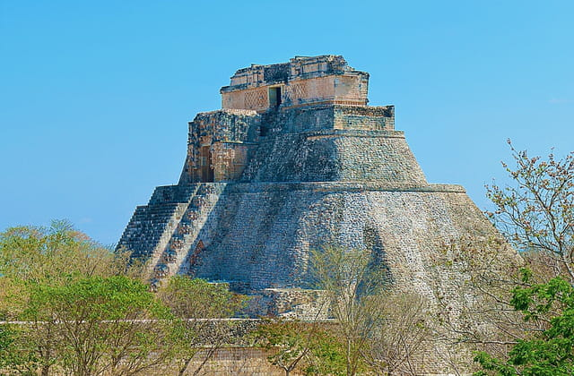 La majestueuse Pyramide du Devin