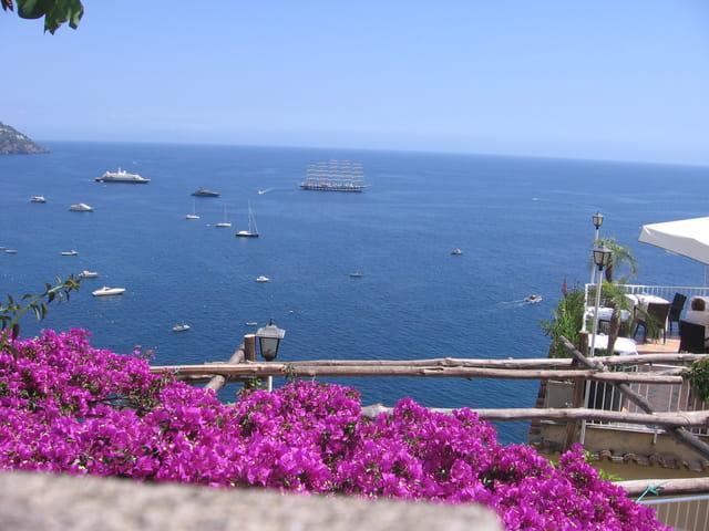 La mer, vue de la Côte Amalfitaine