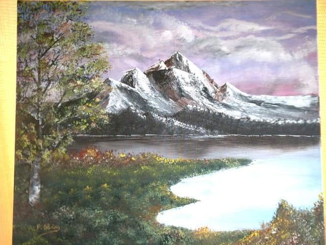 La montagne vue du lac