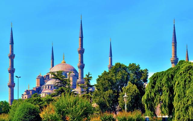La Mosquée Bleue avec ses 6 minarets