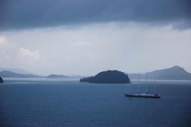 la mousson arrive sur la baie de Phang-Nga