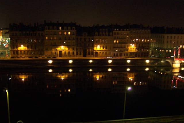 La nuit sur les quais