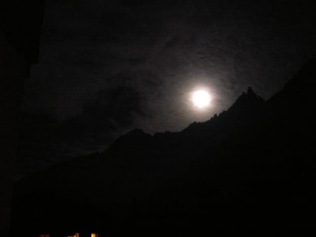 La nuits, tous les sommets sont gris.....
