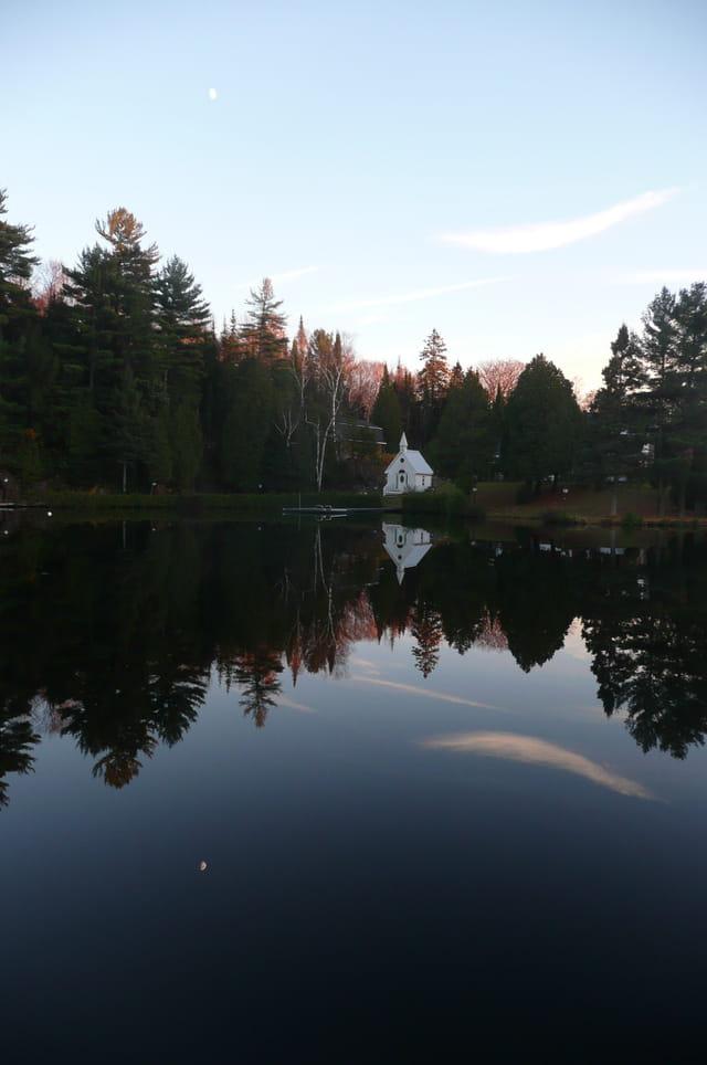 La petite chapelle du lac Rocher