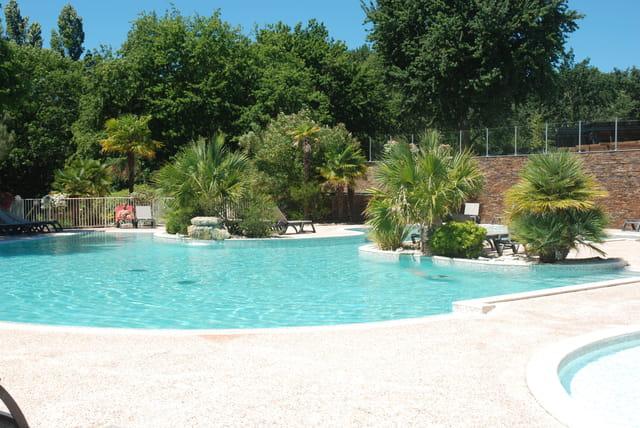 la piscine du camping Les Oréades