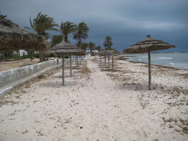 La plage avant l'orage
