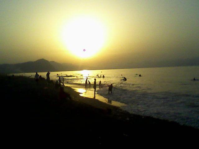 La plage de souk el Tenine la nuit