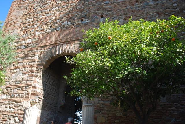 la porte de la Boveda, entrée de La Alcazaba