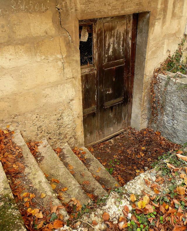 La porte de la cave par josiane ferret sur l 39 internaute for Porte de cave