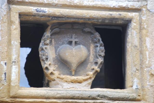 La porte du coeur ou le coeur sur la porte