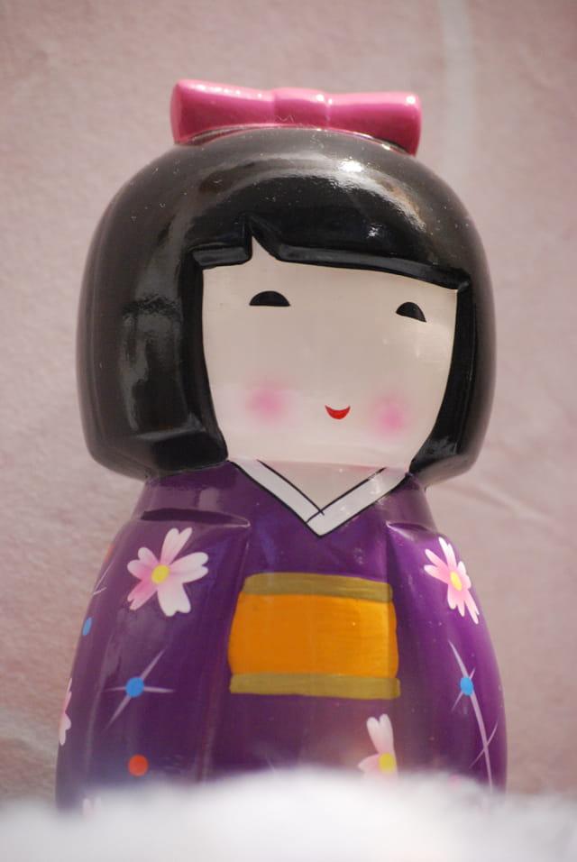 la poupée asiatique