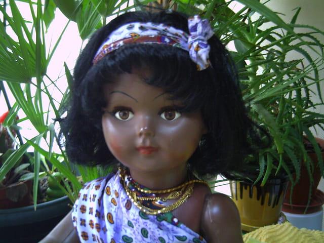 La poupée de couleur