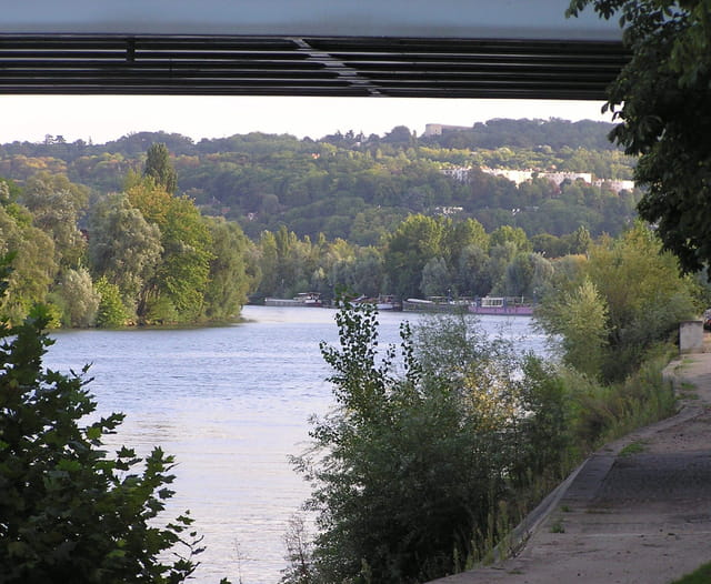 La Seine en amont du pont, vers Le Port-Marly