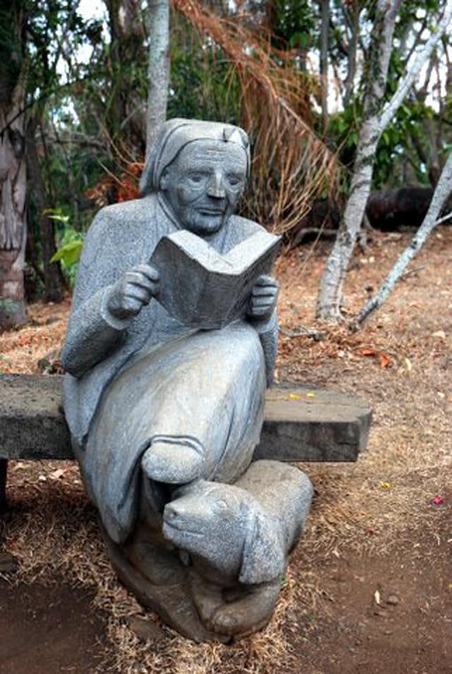 la statue de Madame Marie thérèse Ombline Panon Desbassayns