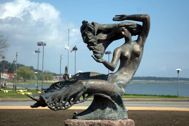 la statue du bord de mer