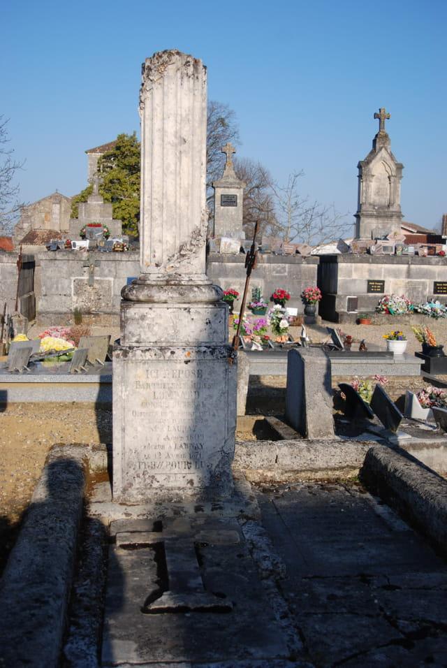 la tombe du docteur Jules Barthélémy Lombard
