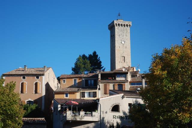 la tour de Saint Martin de Drôme