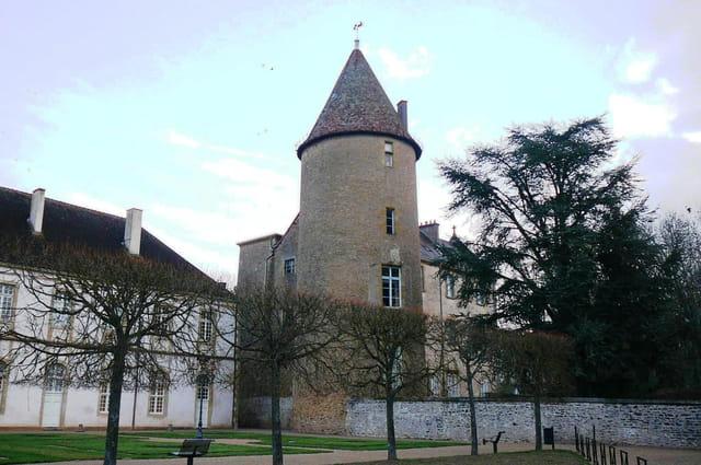 La tour du château des moines