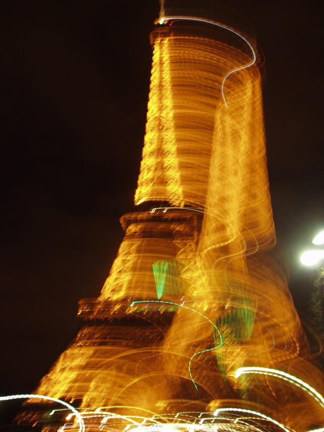 La Tour Eiffel en mouvement