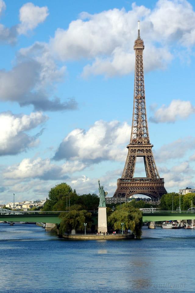 La tour EIFFEL et la statue de la Liberté 2