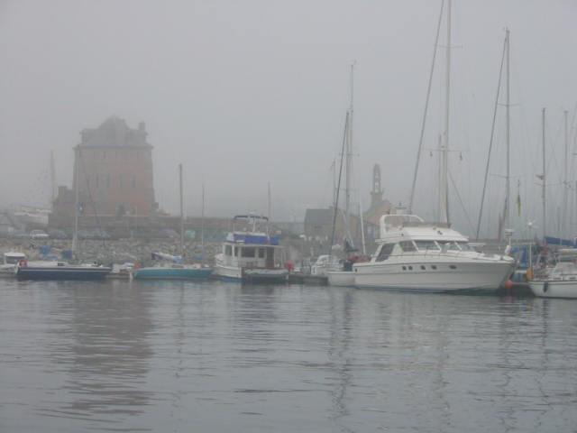 La tour vauban dans la brume
