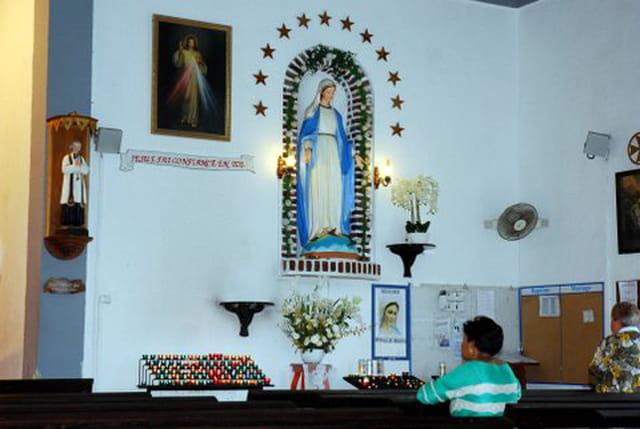 la Vierge de l'église Sainte Marie