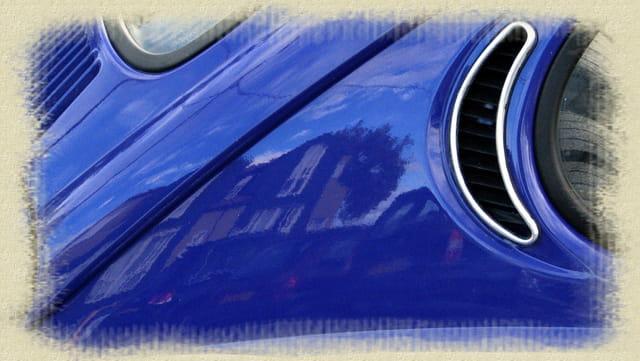 La voiture bleue