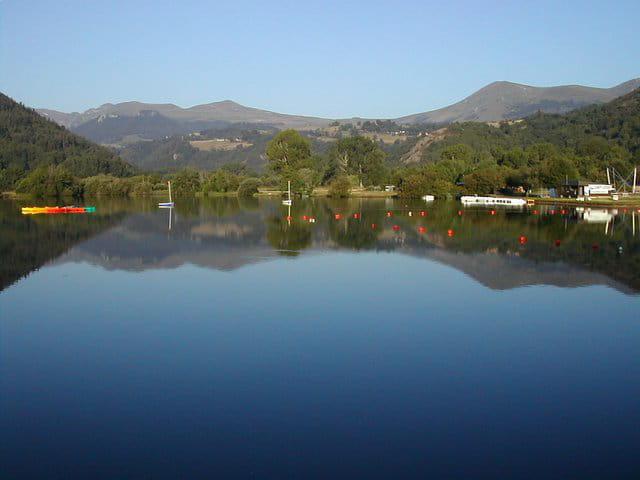 Lac chambon au petit matin