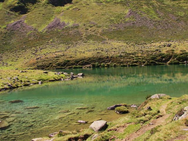 Lac de montagne D'OUREC.