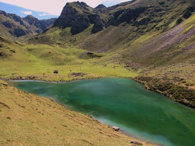 Lac de montagne d'Ourec