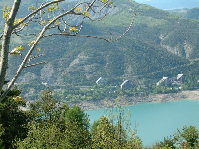 Lac de serre-ponçon 05230
