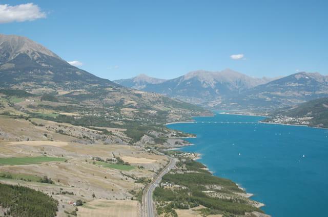Lac de Serre Ponçon en hélicoptère